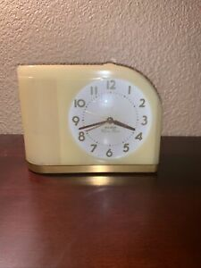 Retro-Vintage-BIG-BEN-MOON-BEAM-Yellow-Lighted-Alarm-Clock-43000