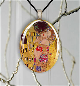 THE-KISS-KLIMT-ART-PAINTING-OVAL-CABOCHON-GLASS-PENDANT-xad3Z