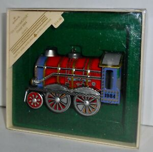 Hallmark-Keepsake-Christmas-Ornament-1984-TIN-LOCOMOTIVE-Series-3-Train-H15