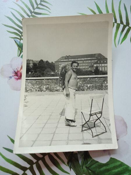 """""""am Bau"""": Sw-fotografie, Altes Sw-foto, 60-er Jahre, Berlin, Bauarbeiter, Klinik Attraktive Designs;"""
