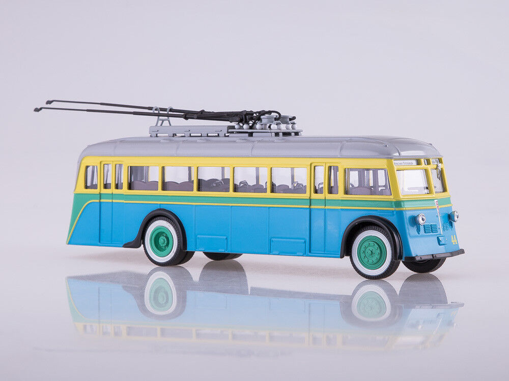 Scale model bus 1/43 trolleybus YATB-1