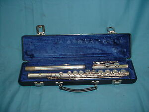 2 gemeinhardt elkhart 2sp silver plated flute with case ebay. Black Bedroom Furniture Sets. Home Design Ideas