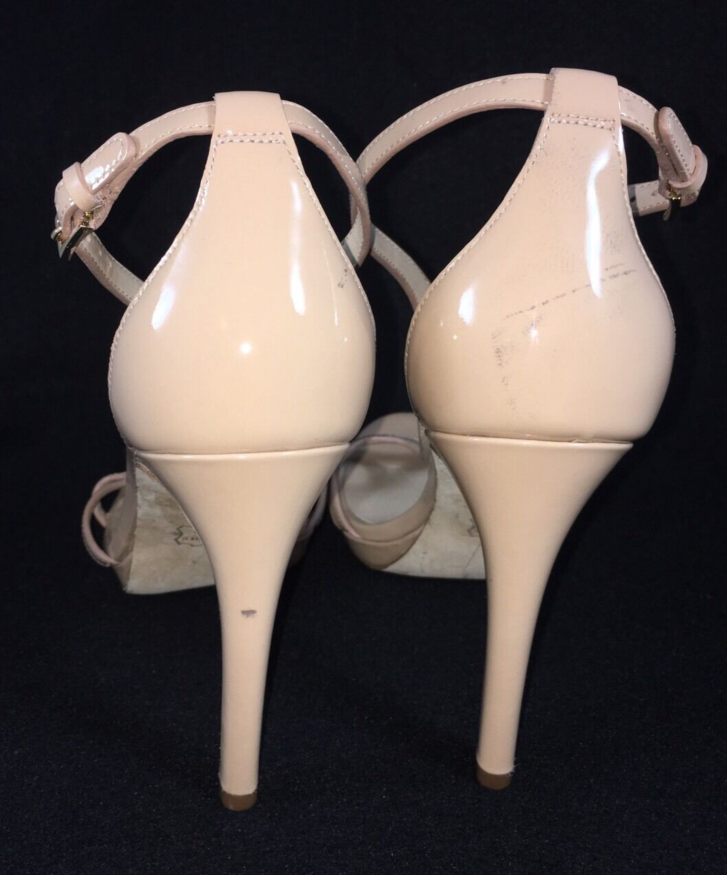 Tory Burch Shelley Nude Dusty rose Patent Leather Platform Heel Heel Heel Strappy Sandal 938009