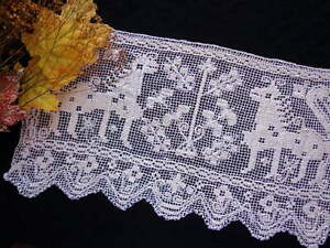 Antique Handmade Tablecloth Italian BOSA Zoomorphic FIGURAL LACE Horned Lions!