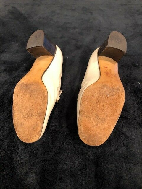 Celine ivory ivory ivory leather pumps w dark wood & gold chain worn in excellent condition ff0f23