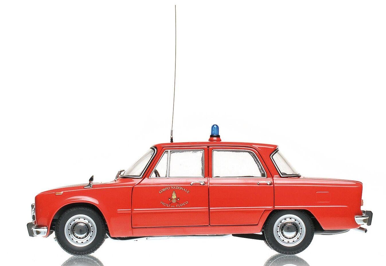 ALFA ROMEO GIULIA 1300cc vigili del fuoco 1966 1:18 EXCLUSIVE MODEL MINICHAMPS
