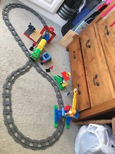 Lego-Duplo-Deluxe-Train-Set-With-Motorised-Train-5609-Age-2-6-Great-Condition