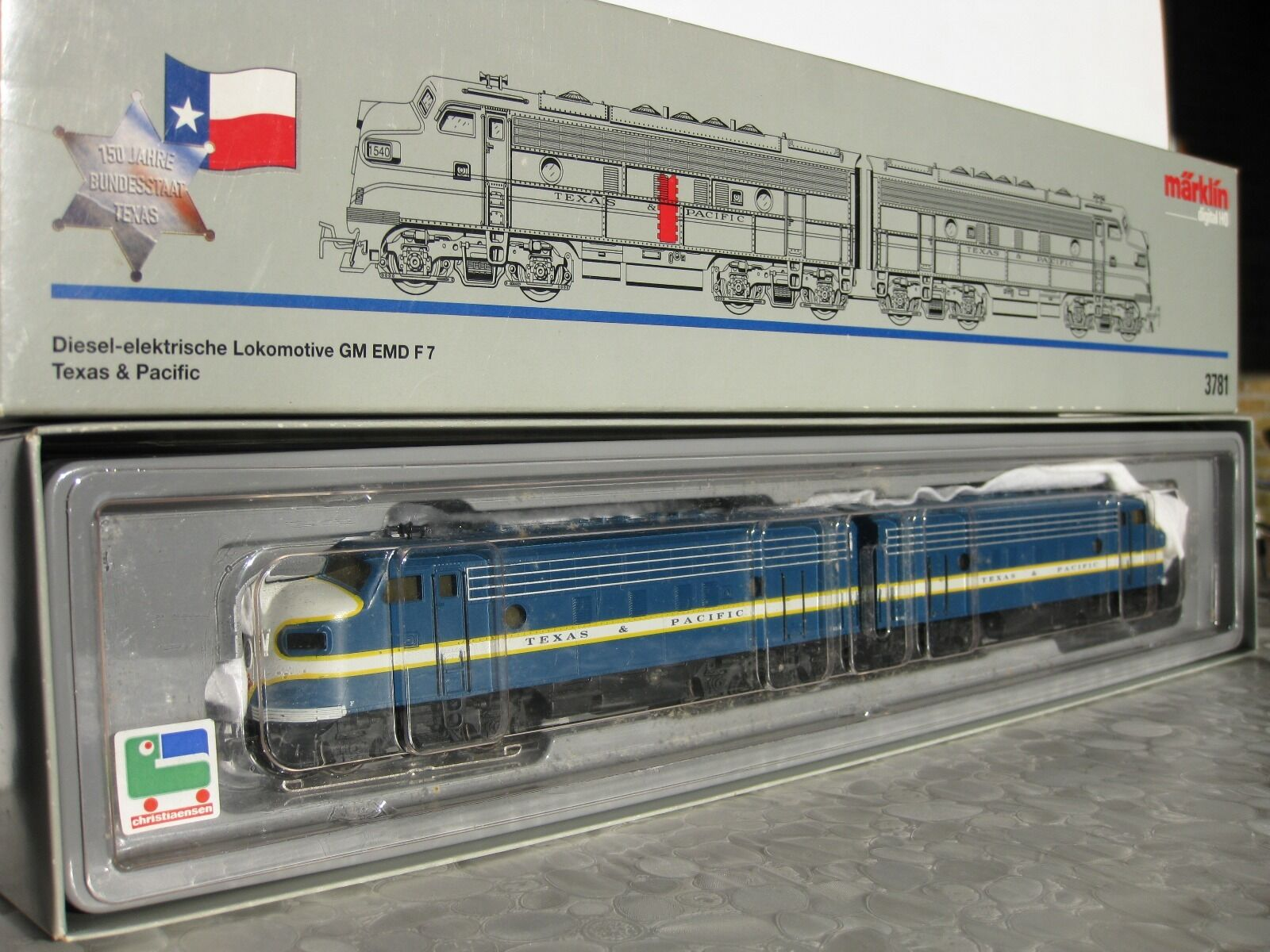 H0 3781 American GM-EMD F7 diesel-electric locomotive