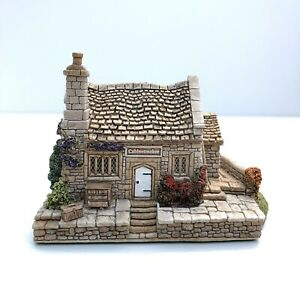 Lilliput-Lane-House-Dovetails-Boxed-With-Deeds