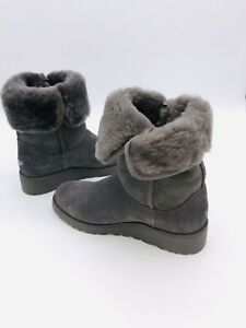 UGG Women s AMIE Classic Slim Water Resistant Short Boot Grey SZ 9US ... 99be09e914