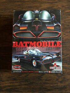 BRAND-NEW-DISCONTINUED-POLAR-LIGHTS-1-25-1966-BATMOBILE-2-COMPLETE-MODELS-KIT