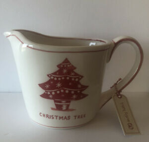 MOLLY HATCH CREAM/RED CHRISTMAS TREE CERAMIC 4 CUP/1QT MEASURING CUP/PITCHER-NWT
