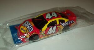 Richard-Petty-Salute-44-Bugles-2001-Dodge-Intrepid-1-64-Hot-Wheels-Promo-New