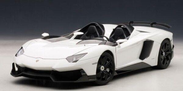 Autoart LAMBORGHINI AVENTADOR J (White) 1 18 - 74674