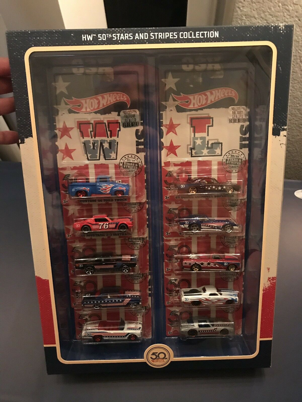 2018 HOT WHEELS RLC 50th Anniversaire STARS AND STRIPES COLLECTION