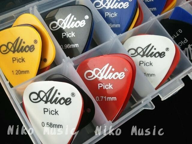 24pcs Acoustic Electric Guitar Picks Plectrums+1 Plastic Picks Box Case