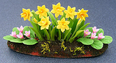 1:12 Scale Daffodils & Bedding Plants Dolls House Miniature Flower Garden