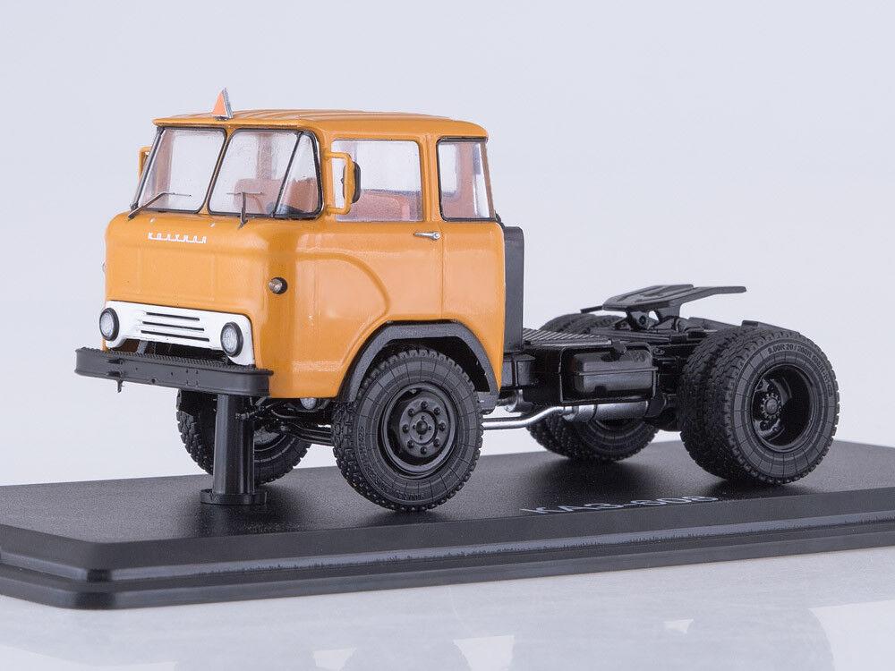 Modelo de escala camión 1 43 KAZ-608 Camión Tractor