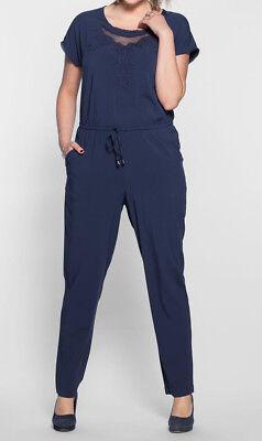 NEU 44 bis 58 mit Stickerei und Spitze Blau Ton Sheego Jumpsuit Anzug Gr 793