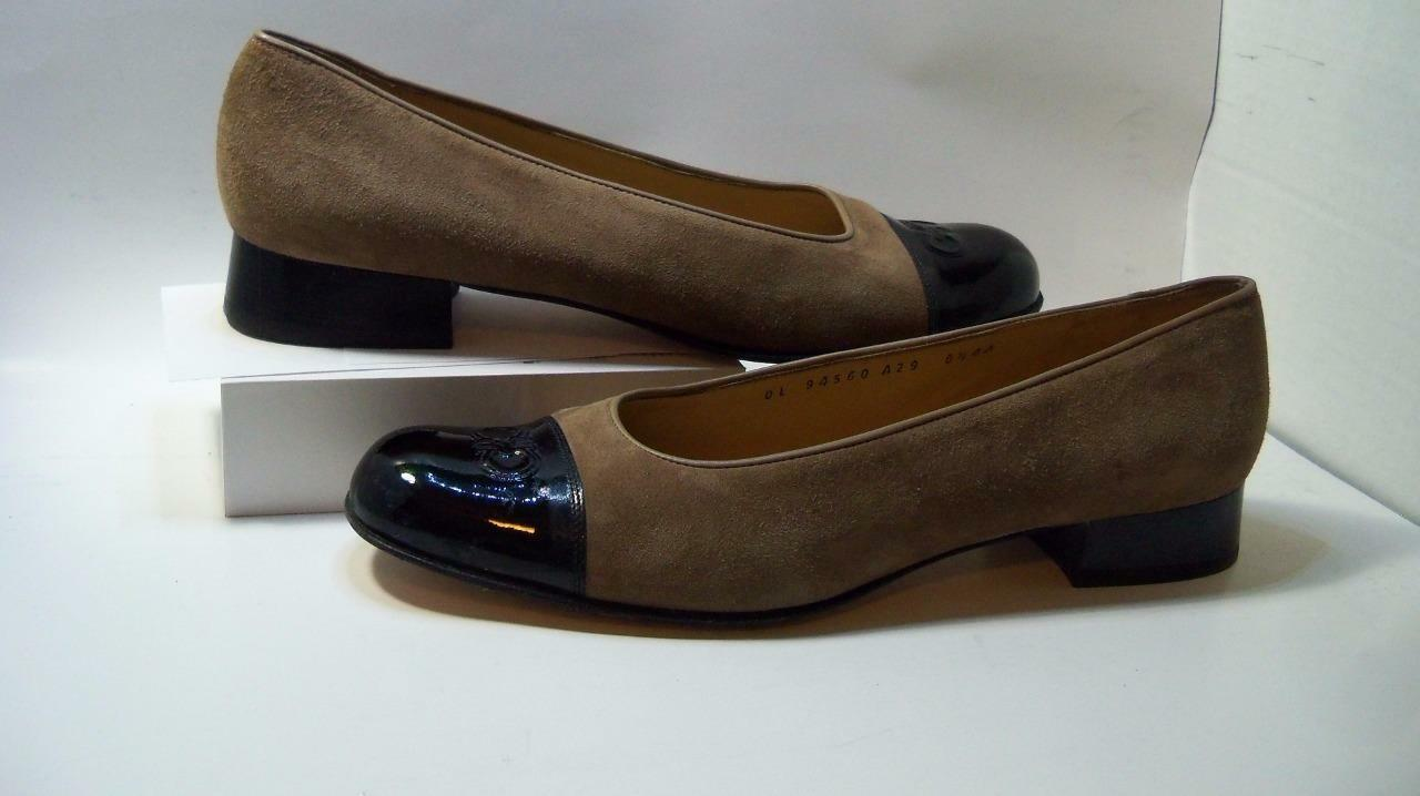 Salvador Ferragamo 8.54A brown suede with black patent toe1 toe1 toe1  heel career lunch ed0411