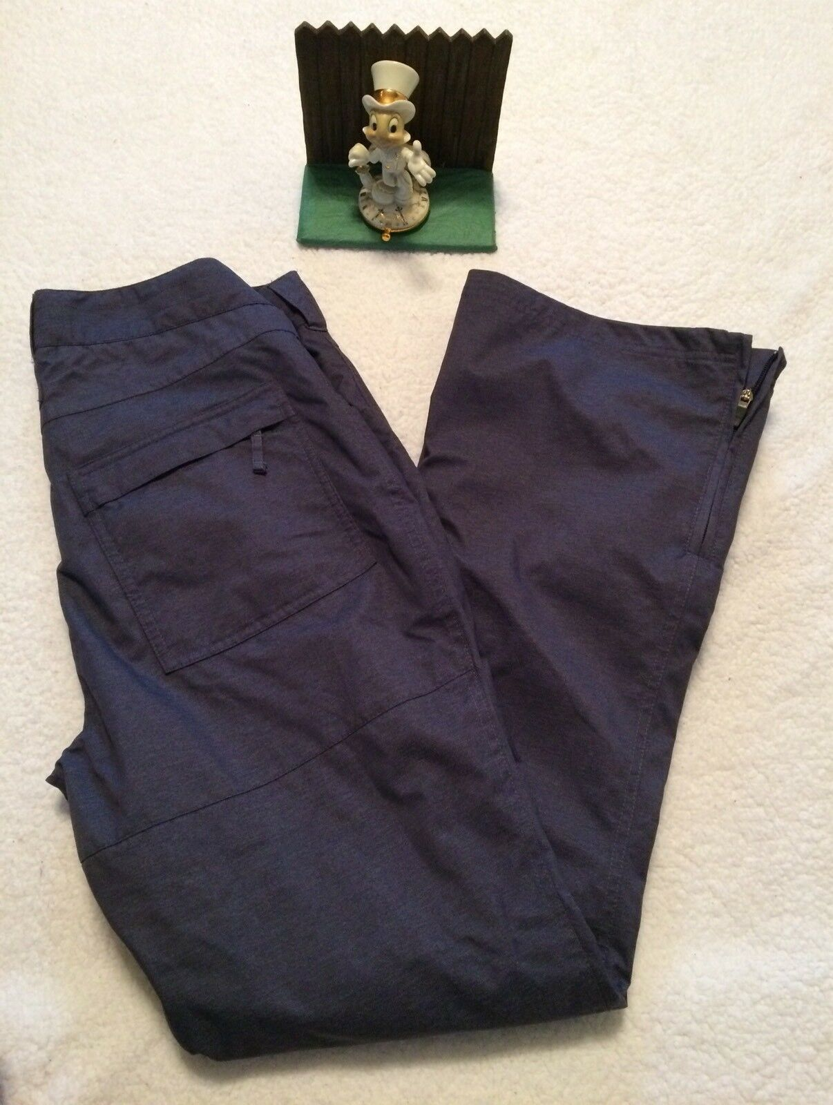 Sims Womens Snowboard Pants NWOT Size Medium Ski Pants.. New Display blueee
