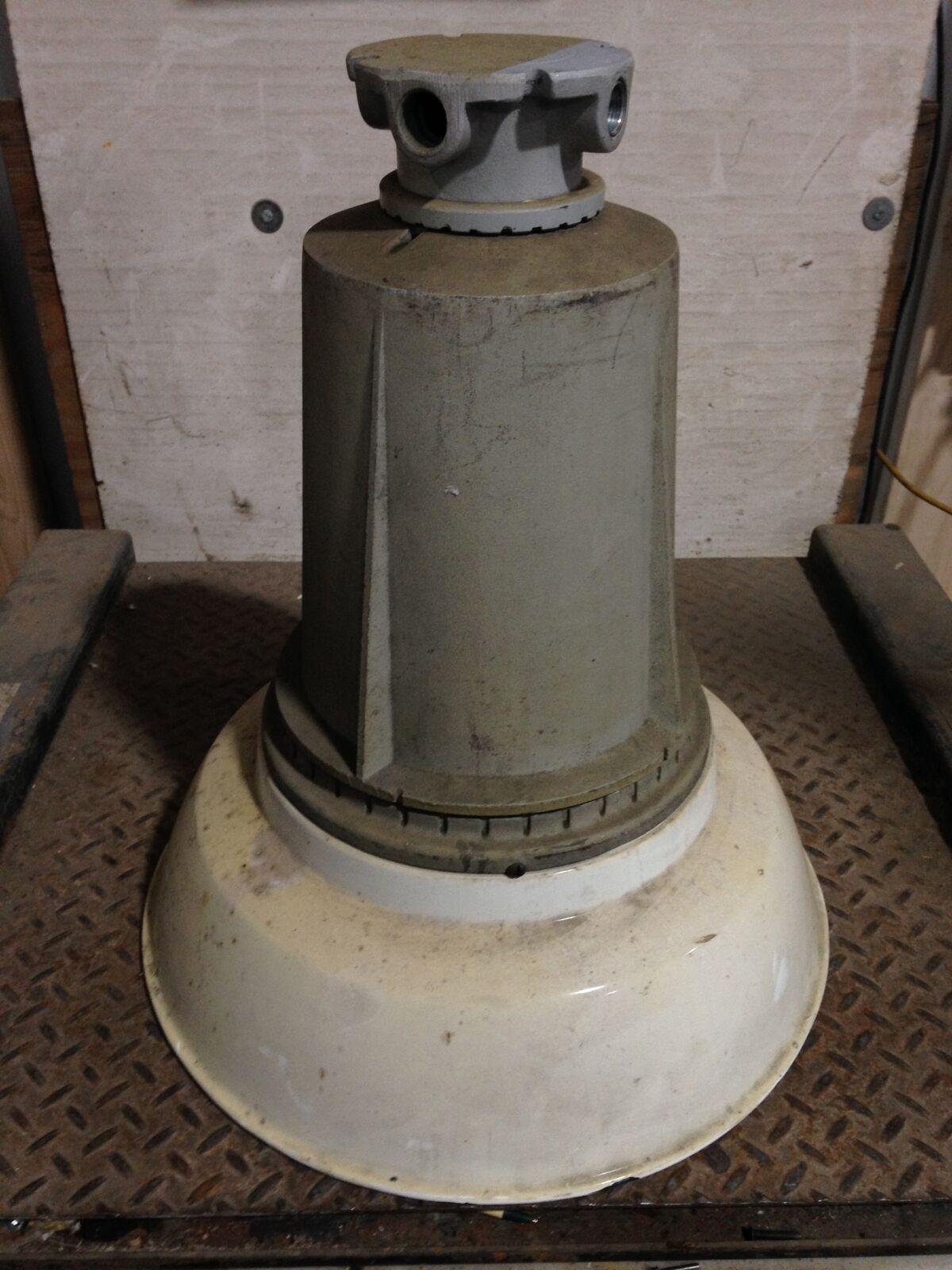 Appleton AMBH400-120 Explosion Explosion Explosion Proof Porcelain 20  Bay Light Fixture 120V 400W 0fefb6