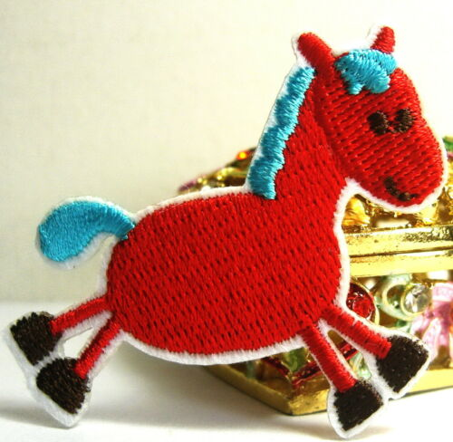 Vente chaude bébé cheval poney rouge brodé Iron On Patch Shirt Chapeau Jean