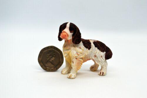 Casa de muñecas en miniatura de Perros Mascotas Gatos Animales Aves salón poco CAMPANILLA blanca