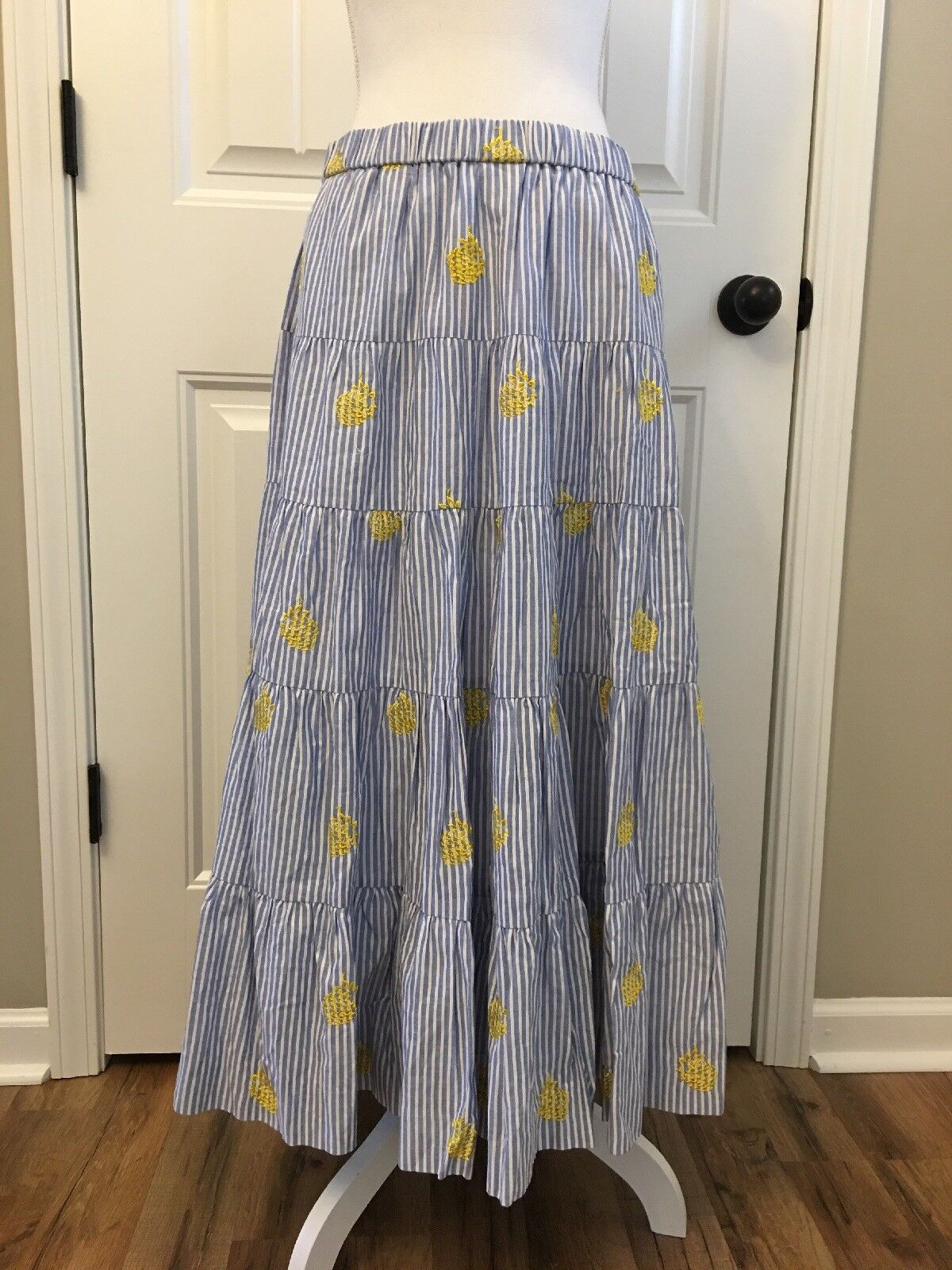 New J Crew Embroidered Pineapple Midi Skirt bluee White Stripes Sz M J1990