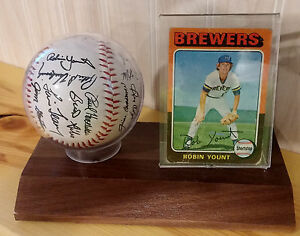 Robin Yount 1975 Topps W/ Brewers Facsimile Team Auto Baseball Rookie Mollitor