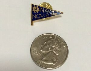 1995-USED-UNIVERSITY-NOTRE-DAME-FOOTBALL-VS-NAVY-FOOTBALL-GAME-DAY-PIN
