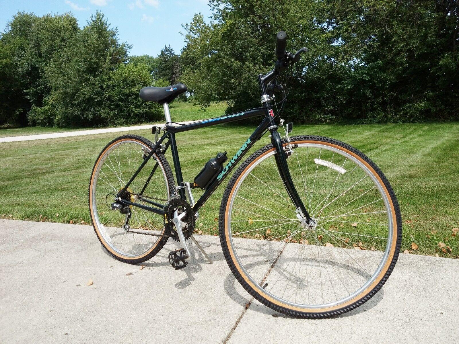VTG SCHWINN MENS BICYCLE CRISSCROSS