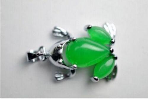 Beau vert émeraude grenouille collier Tibet pendentif en argent