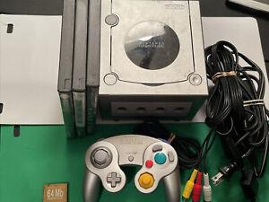 Nintendo GameCube DOL-101 PLATINUM SILVER Console  Controller Bundle Games More