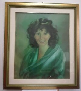 Portrait-of-Bella-Lady-M-G-Arena-1982-50-x-60-cm-Frame-Painting-Oil-on-Canvas
