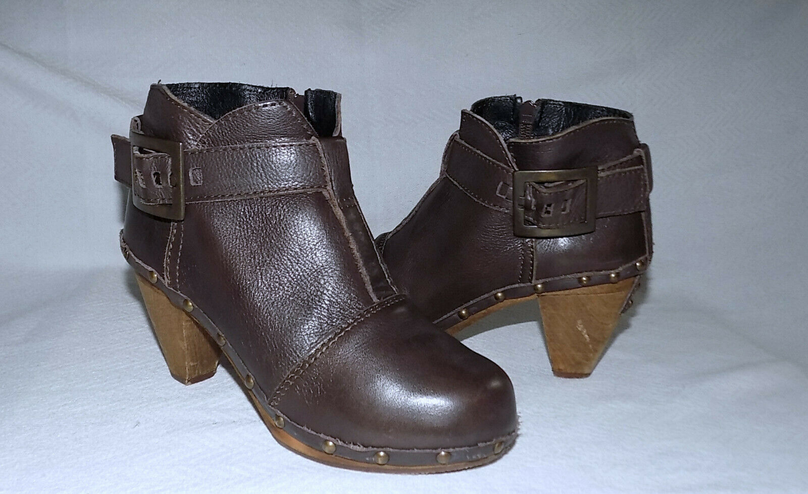 SANITA Denmark Genuine Leather Wood Heeled sole OWL Booties-Size 37 7M Usa-Brown