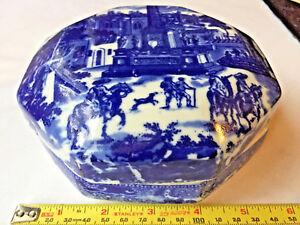Ironstone-Blue-Flow-Octagon-Antique-Box-Porcelain-South-of-the-border-landscape
