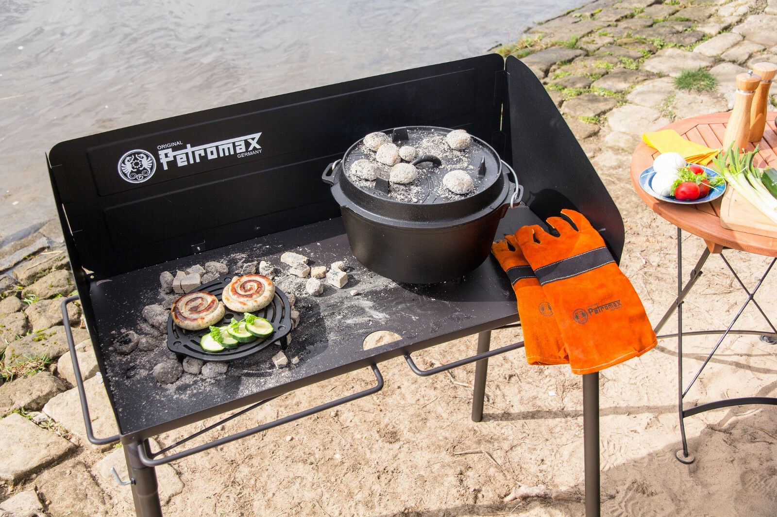 Feuertopf Tisch fe90 von    Petromax für den Dutch Oven 7029b2