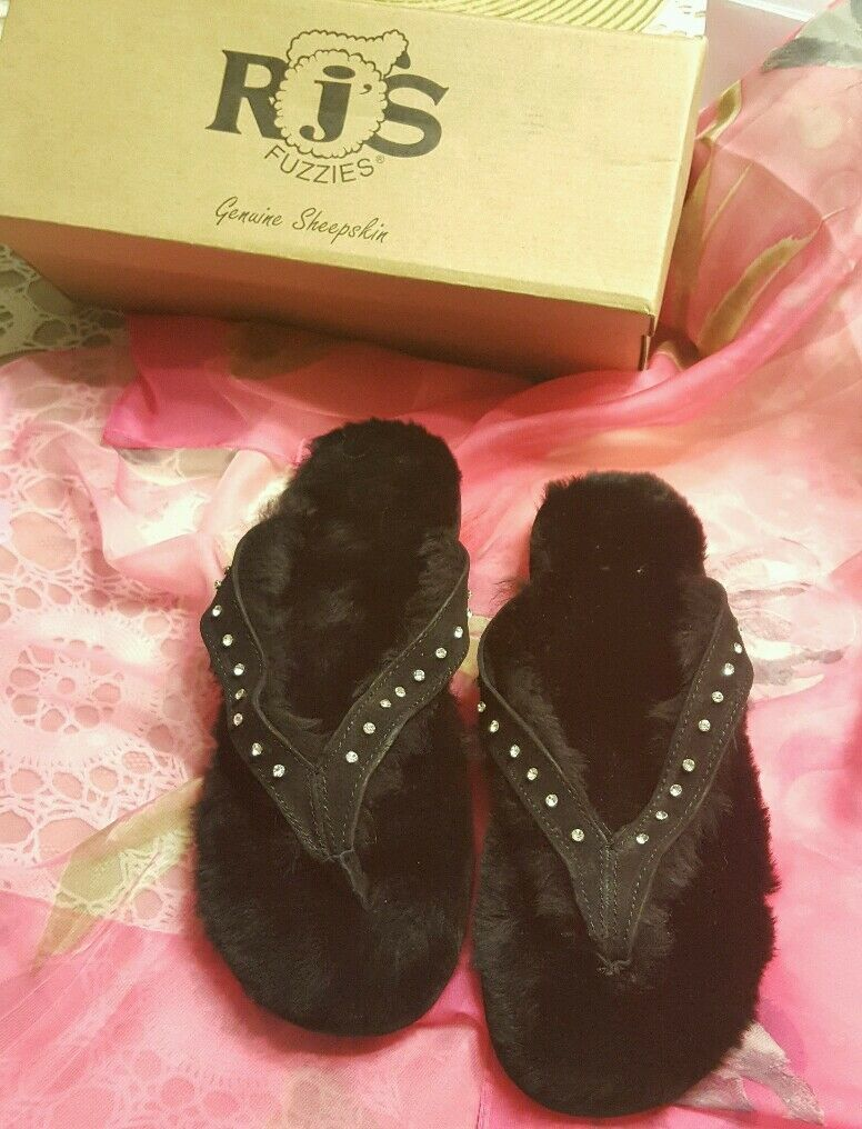 NEW IN BOX ♡ RjS FUZZIES WOMEN'S BLACK GENUINE SHEEPSKIN SLIPPERS ♡ SIZE 8   9