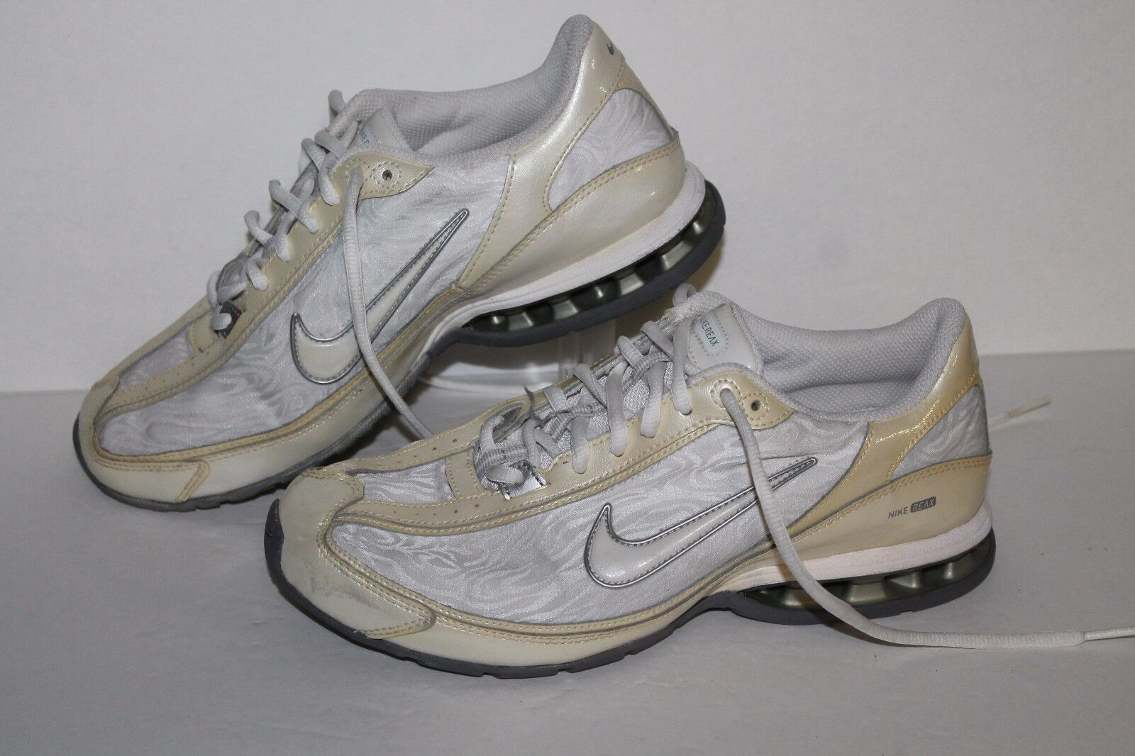 Nike Reax Revolution Running Shoes, White/Grey, Womens US 8.5