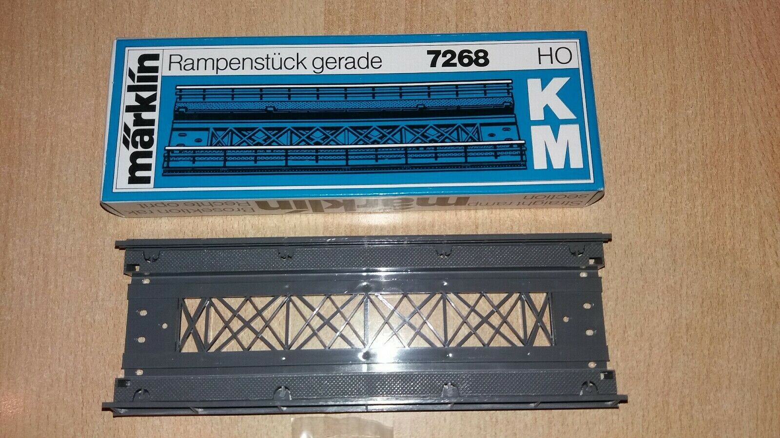 Märklin H0  gerades Rampenstück 7268 OVP  K+M-Gleis  TOP Zustand