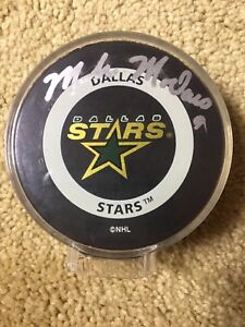 Image is loading Mike-Modano-Signed-Autographed-Hockey-Puck-Dallas-Stars- 557c17cf268