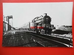 PHOTO  GWR LOCO NO 5014 GOODRICH CASTLE - Tadley, United Kingdom - Full Refund less postage if not 100% satified Most purchases from business sellers are protected by the Consumer Contract Regulations 2013 which give you the right to cancel the purchase within 14 days after the day you receive th - Tadley, United Kingdom