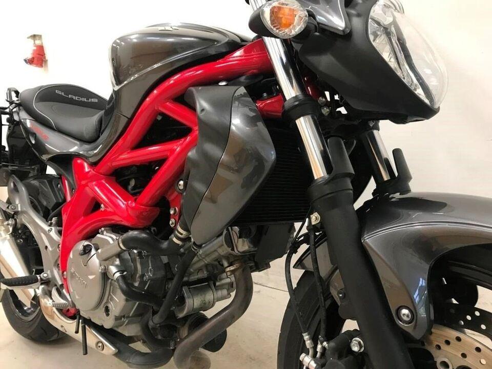 Suzuki, SFV 650 GLADIUS, ccm 650