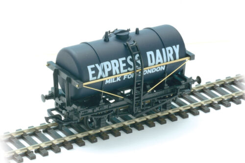 PECO 00 Gauge TrackLayout Plastic Milk Tank Wagon Kit NoR74E Express Dairies.