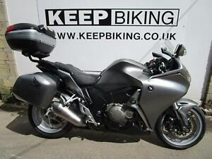 2010 HONDA VFR1200 F - A  ABS 21199 MILES.  FULL SERVICE HISTORY. DAM END CAN.