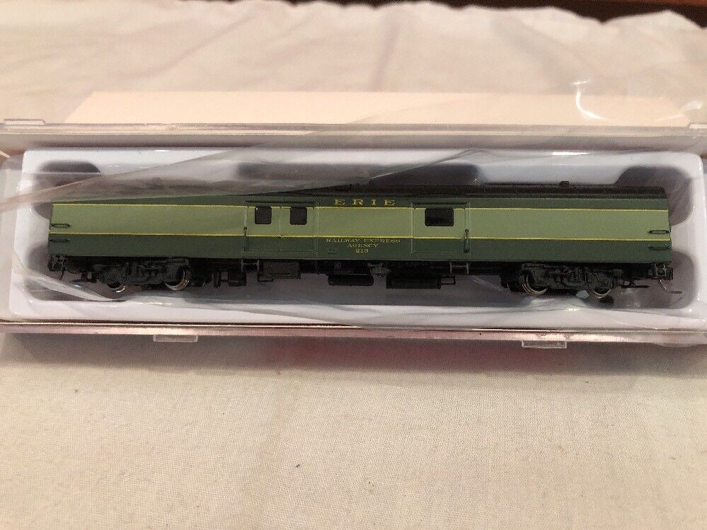 N SCALE RAPIDO TRAINS BAGGAGE EXPRESS #506023 ERIE #213