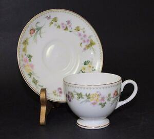 Wedgewood-Fine-Bone-China-England-Footed-Cup-amp-Saucer-Set-Mirabelle-Pattern