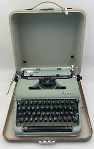 Olympia SM4 Portable Manual Typewriter With Case Mint Green Sea Foam Vintage