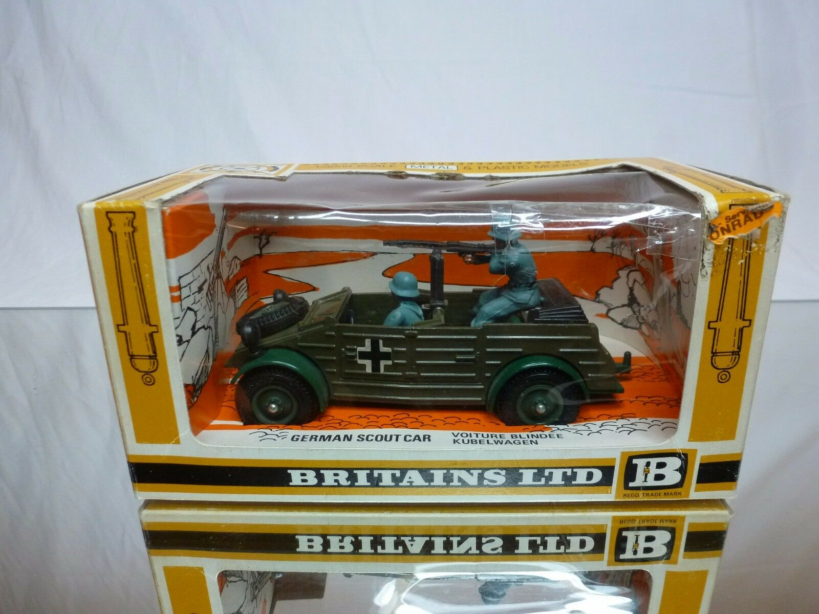 BRITAINS 9783 GERMAN SCOUT CAR - MILITARY - ARMY GREEN 1 43 - GOOD IN BOX